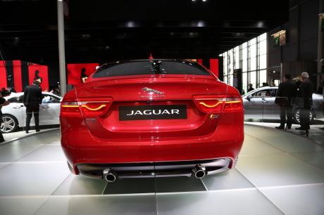 txt_Jaguar-XE-CC-Paris-04
