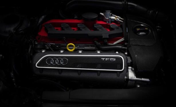 2015-Audi-RS3-Sportback-117-876x535