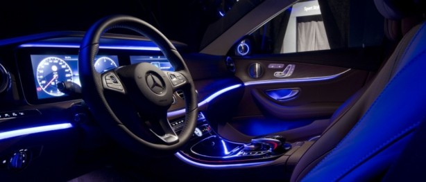 2017-Meredes-Benz-E-Class-Interior79-980x420