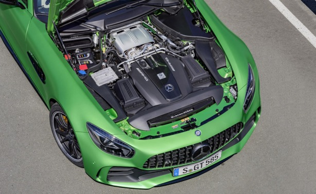 Mercedes-AMG-GT-R-engine