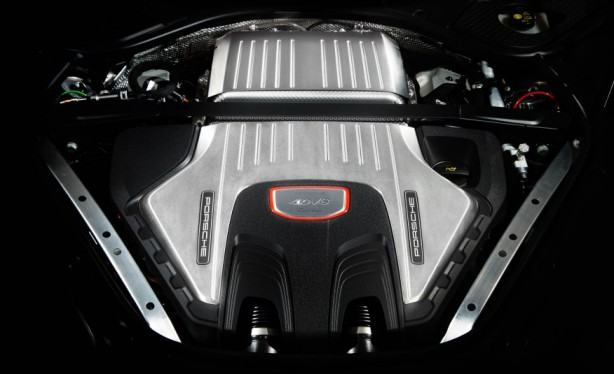 2017-porsche-panamera-turbo-141-876x535